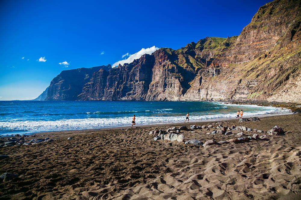 Playa de Los Guíos, en Los Gigantes - Tenerife